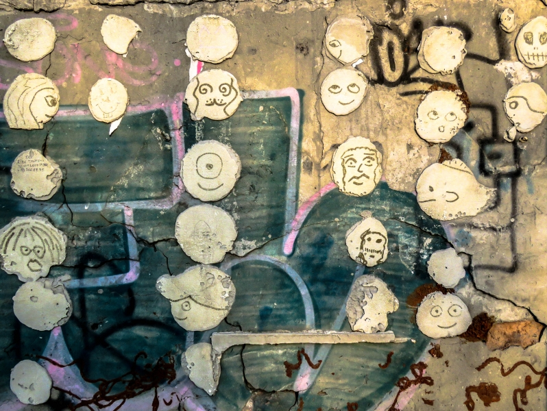Faces on graffiti